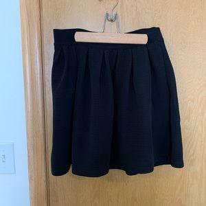 Black skirt with pockets!